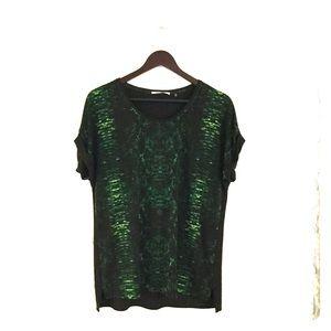 Women's tahari green snakeprint top